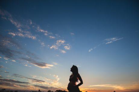 pregnant-woman-1196132_1920